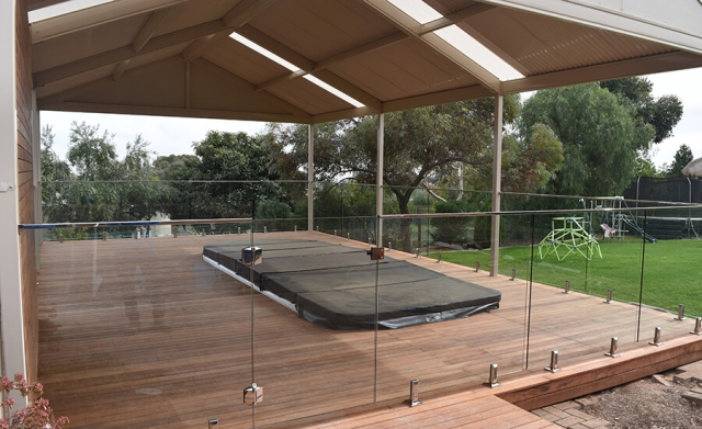 glass balustrades installed in adelaide on verandah
